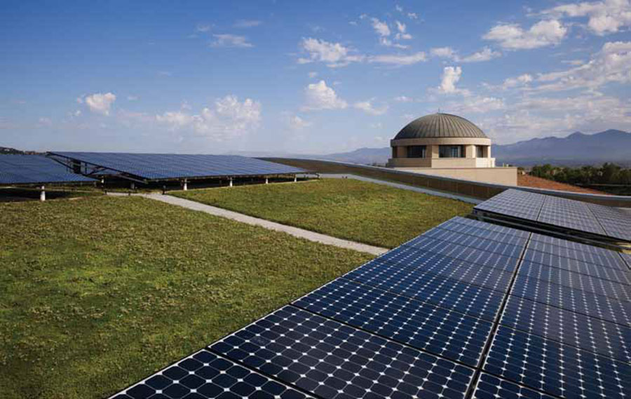 Integrating Green Roofs with Solar