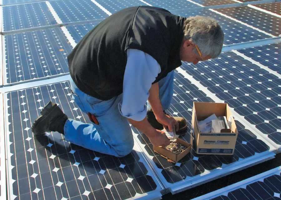 Solar Roofs: Challenges and Waterproofing Solutions